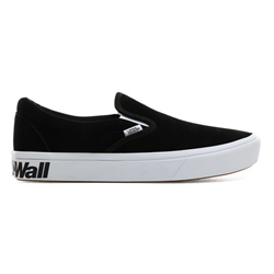 Vans Comfycush Slip On Shoes - Black & White