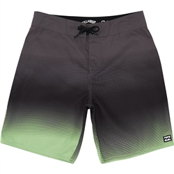 "Billabong Resistance 16"" Boardshorts - Black"